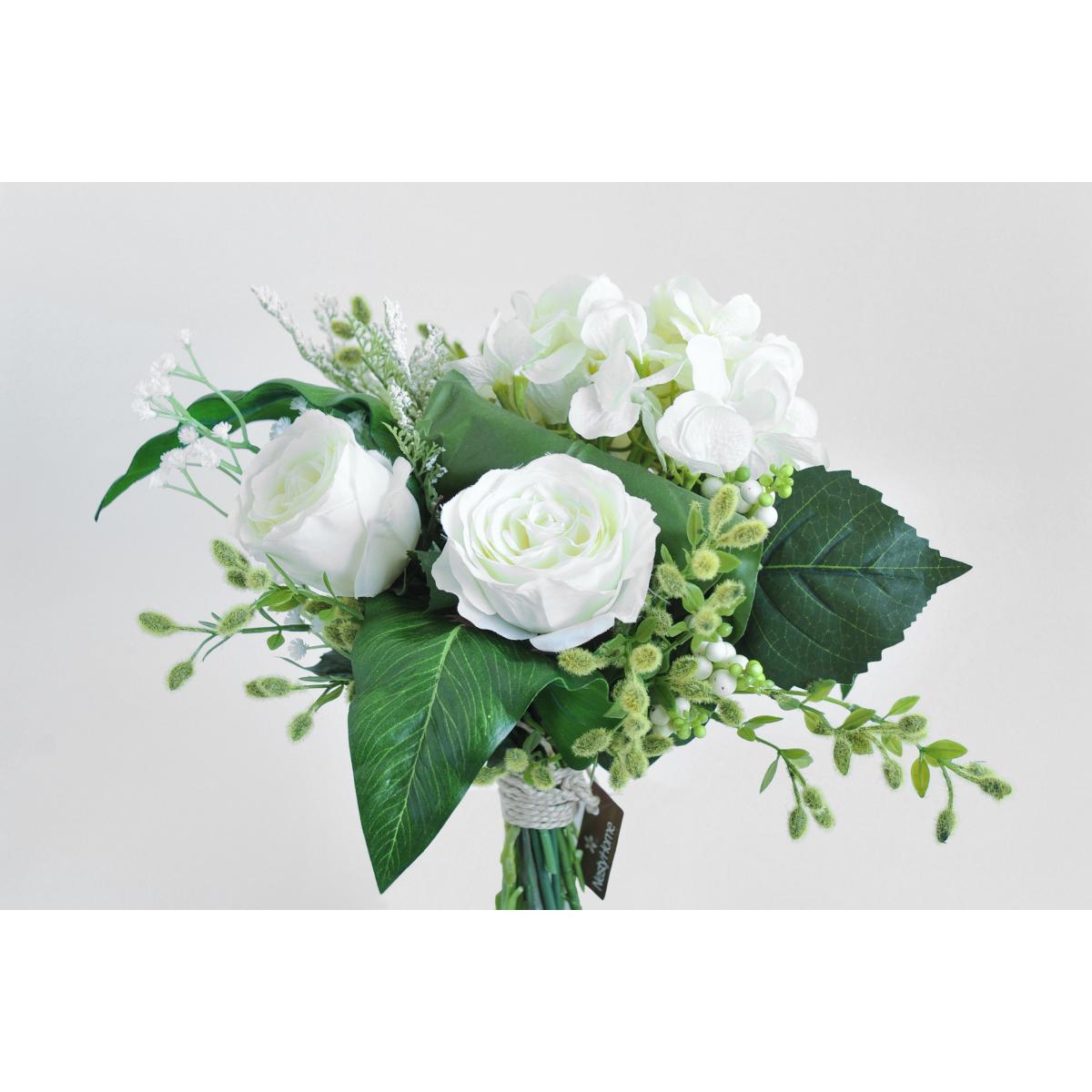 Bouquet Roses Blanches Hortensia Blanc Et Feuillage Vert